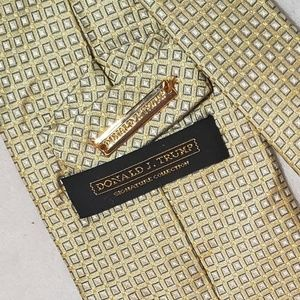 Donald J. Trump Signature Collection Silk Necktie